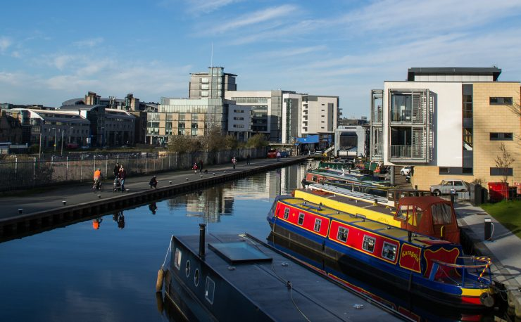 Union Canal Edinburgh with boats