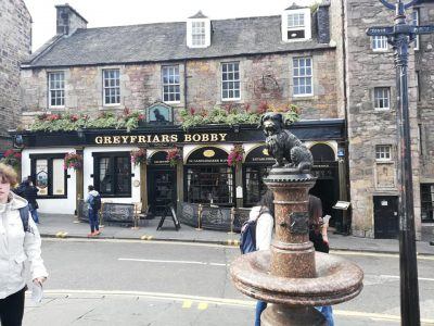 Greyfriars Bobby statue.